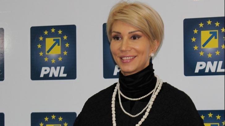 Raluca Turcan anunță că PNL n-a hotărât dacă va susține moțiunea USR pe Justiție