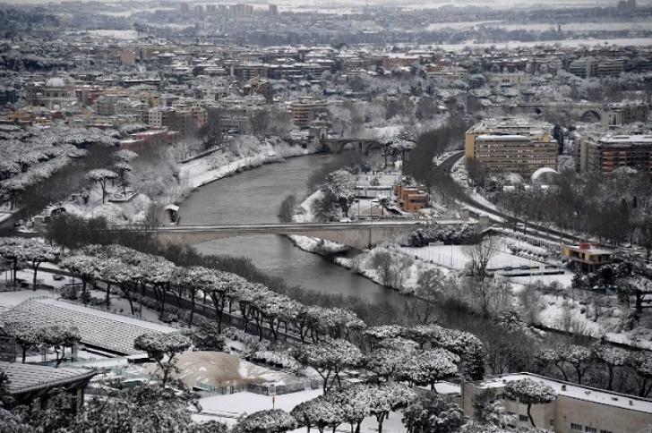 Zăpadă la Roma