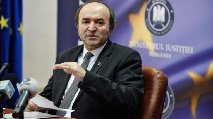 Fostul șef al CSM îl desființează pe Tudorel Toader după prezentarea raportului
