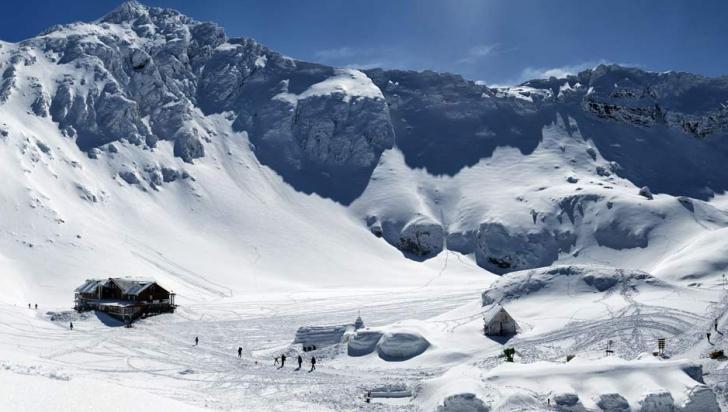 Risc mare de avalanşă şi zăpadă de 175 de centimetri la Bâlea Lac