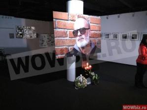 Rămas bun, Andrei Gheorghe! Primele imagini de la Galeriile Mobius. Fanii îi aduc un ultim omagiu. Foto: wowbiz.ro