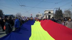 Manifestaţie uriaşă la Chişinău pentru unirea României cu Republica Moldova