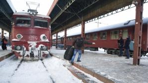 CFR: Mai multe trenuri, anulate din cauza fenomenului de chiciură de la nivelul firelor de contact
