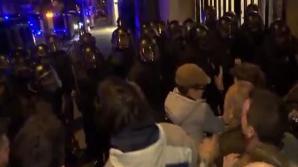 Nou val de violenţe la Barcelona. Mii de oameni, în stradă - 27 au fost răniţi