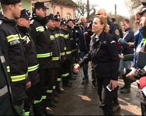 Carmen Dan, în uniformă personalizată la inundaţii. Ce scria pe aceasta