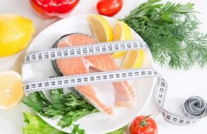 Cele 10 reguli de aur care te ajută să mănânci mai puţin şi să nu te îngraşi