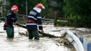 Decizia luată de MAI pentru prevenirea inundaţiilor. Mii de pompieri în teren
