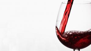 Un pahar de vin roșu echivalează cu o oră de sport - ce spun oamenii de ştiinţă
