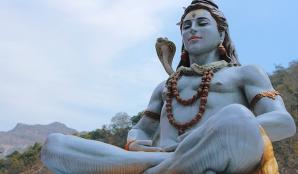 O nouă religie monistă: Lingavat. Singurul zeu: Shiva