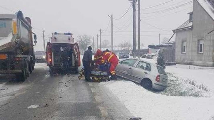 Impact violent din cauza vitezei și a zăpezii pe DN 7
