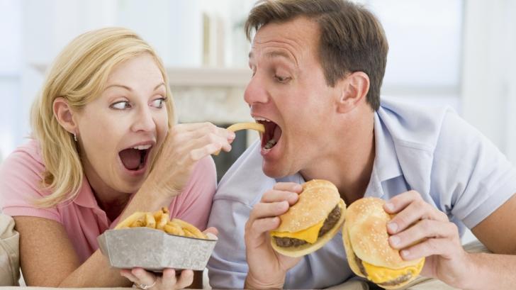 3 afecțiuni anunțate de foamea exagerată