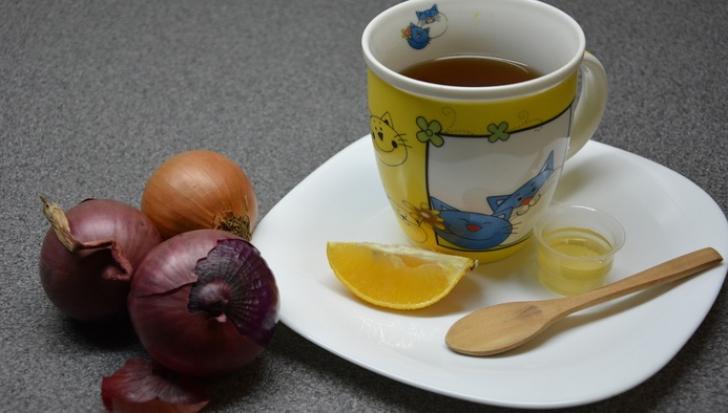 Ceai de ceapă. Reţeta pentru imunitate, tuse şi dureri. Beneficii şi contraindicaţii