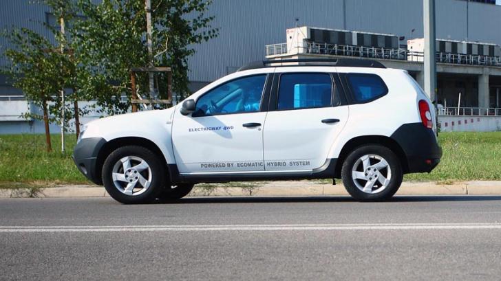Dacia. Dacia Duster. Dacia Duster Grand Hamster. Aşa arată un Duster hibrid. Are motorul în spate