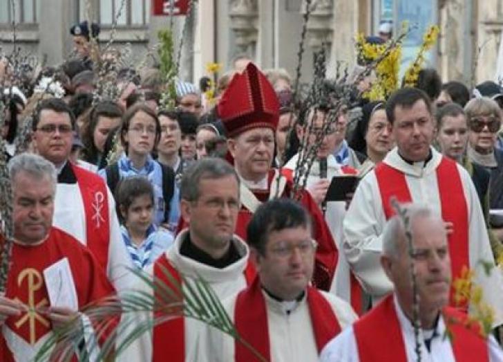 Restricţii de circulaţie în Capitală, pentru procesiunea de Florii.Câteva artere importante, închise