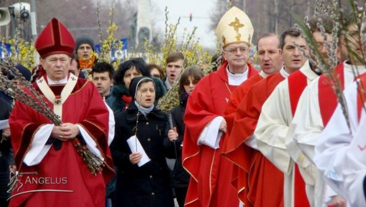 Credincioşii romano-catolici sărbătoresc duminică Floriile