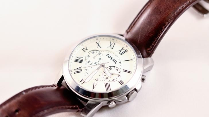 Oferte ceasuri Fossil. TOP 10 modele care se potrivesc la mâna ta
