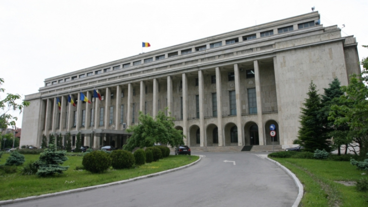 Superimunitate pentru miniştri. Codul administrativ, în linie dreaptă la comisii