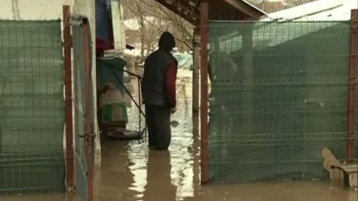 Inundaţiile au făcut prăpăd în sudul ţării