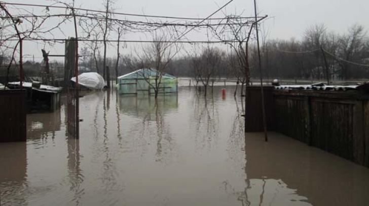 Teleorman: peste 500 de gospodării inundate din 24 de localităţi - ce ne sfătuiesc autorităţile