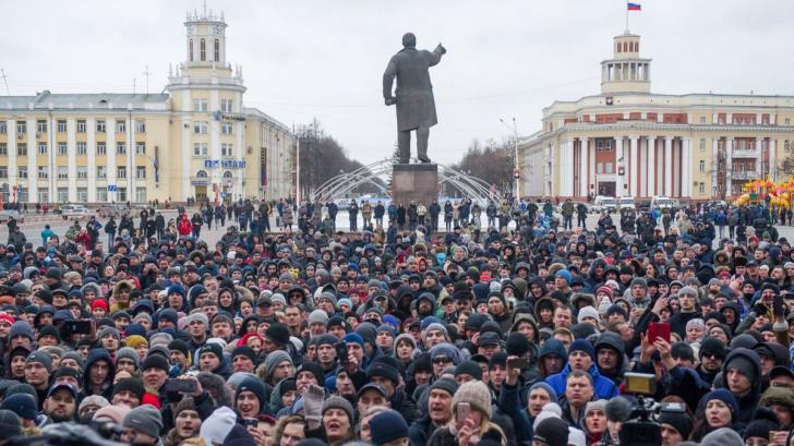"""Revoltă în Rusia după incendiul din Kemerovo: Vrem """"capul"""" lui Putin. """"De ce țarul e la cald?"""""""