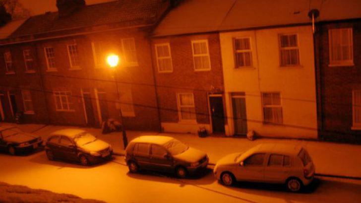 Fenomen meteo neobişnuit în România: Ninsoarea portocalie
