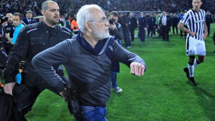 PAOK Salonic - AEK Atena // Șocant! Sub amenințarea pistolului, arbitrul a decis să valideze un gol!