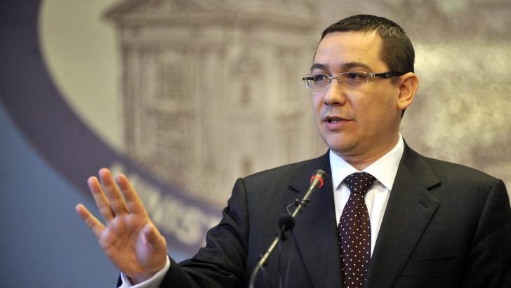 """Ponta, la un eveniment contestat de Macovei: """"Sunt recunoscator ca ati avut curaj sa ma invitati"""""""