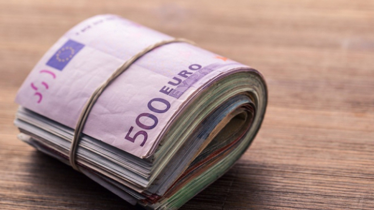 Banii trimiși în țară te fac suspect