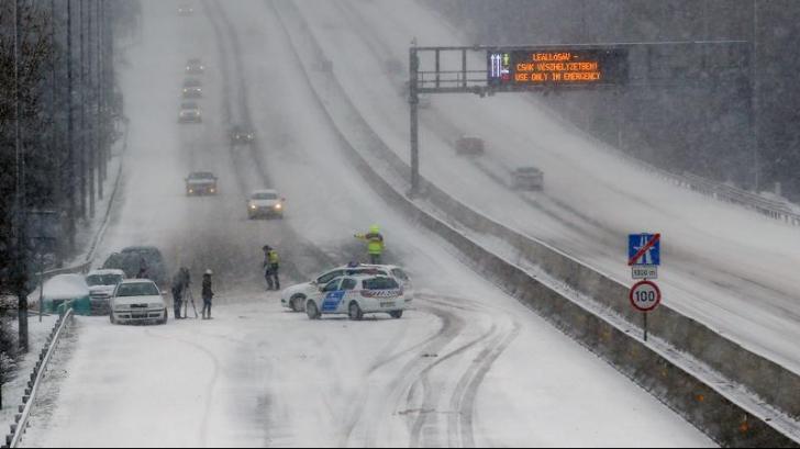 Iarna s-a întors în Europa: Noul val de frig şi de ninsoare a provocat haos