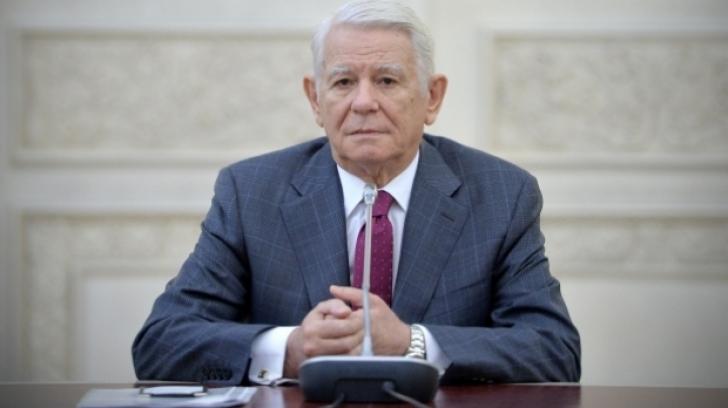 """Teodor Meleşcanu: """"Gazele toxice neuroparalizante nu se iau de la drogherie"""""""
