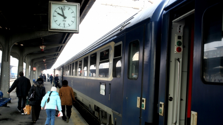 CFR trece la ora de vară. Ce se întâmplă cu trenurile