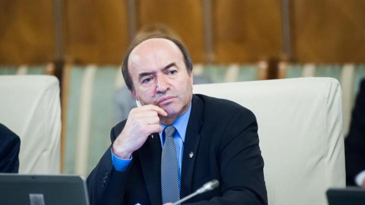 Tudorel Toader: Luni voi discuta cu ministrul Justiţiei din Serbia, despre Sebastian Ghiţă
