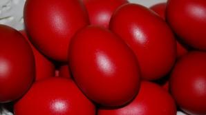 Mai ai ouă vopsite de la Paşte? Nu mai trebuie să pui gura pe ele! Avertismentul medicilor