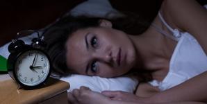 8 alimente care îţi strică somnul