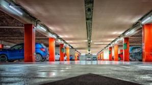 Nu-ți aminteșți unde ți-ai lăsat maşina în parcare? Pune telecomanda sub bărbie. O vei găsi imediat