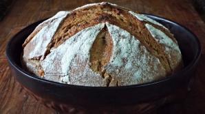 Cea mai simplă reţetă de pâine - nici măcar nu trebuie frământată