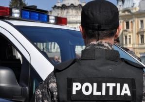 O femeie care a tras cu un pistol cu bile în fața unui club din Sighișoara, reținută de polițiști