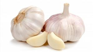 Cum trebuie să folosești corect usturoiul - poate fi medicament, dar şi otravă pentru organism