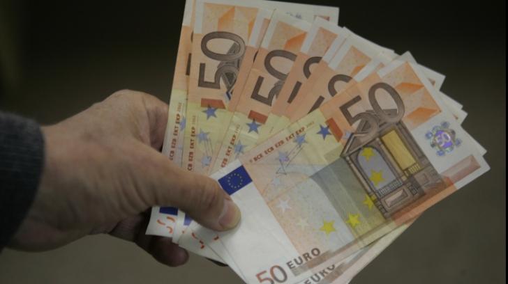 Bani trimişi în economie de românii din străinătate