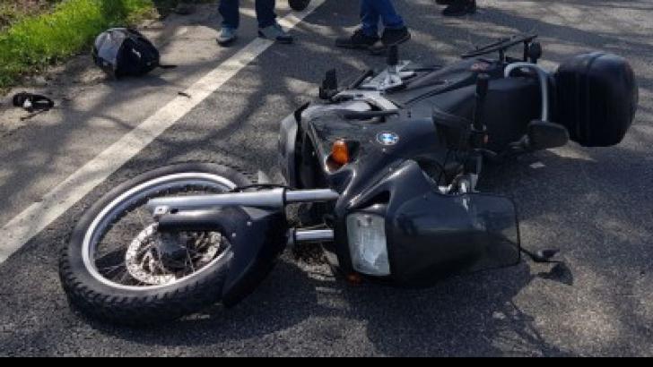 Tânăr motociclist, în comă profundă indusă, în urma unui accident produs pe DN9