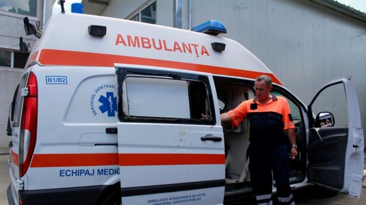 Distracţie la Mamaia: Trei tineri care ar fi consumat droguri au avut nevoie de Ambulanţă