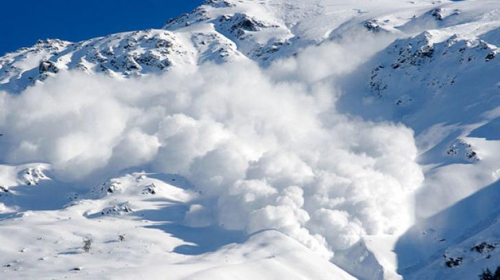 ATENŢIE turişti. Risc mare, de gradul patru, de producere de avalanşe la Bâlea Lac