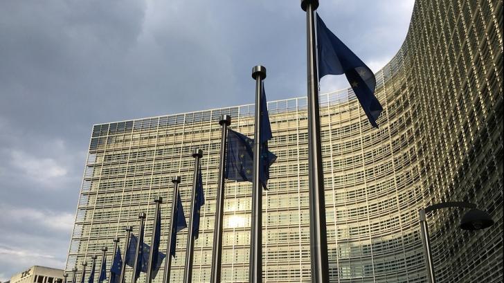 Comisia Europeană vrea ca amprentele digitale pe buletine să fie obligatorii