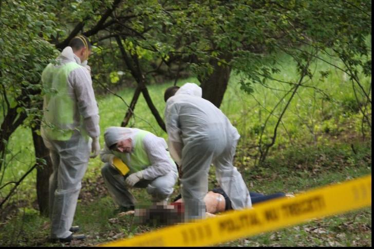 UPDATE: Adolescentă ucisă cu 30 lovituri de cuțit în Botoșani. Criminalul a fost reţinut