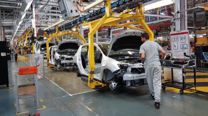 Dacia. Dacia Logan MCV Edelweiss. Dacia a proiectat un Logan cu portiere verticale şi platformă