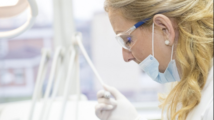 Trei secrete pe care asistentele ar vrea să le spună pacienților, dar nu pot