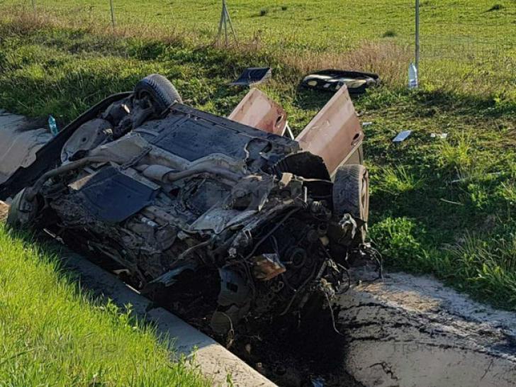 GROAZNIC accident de circulaţie pe A1, duminică dimineaţa: un mort, 4 răniţi