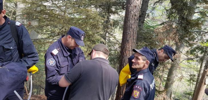 Incendiu violent într-o pădure din Bacău! 175 de oameni intervin - pericol de EXPLOZIE / Foto: ISU Bacau