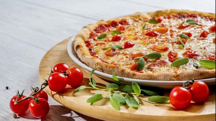 Cum faci pizza în doar cinci minute