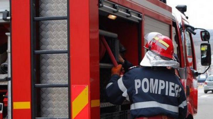 Panică la Satu Mare: un autobuz cu pasageri a luat foc în mers!